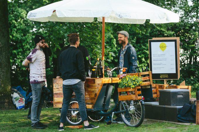 drinks und spiele beim vergn gten picknick mit vergn gen hamburg. Black Bedroom Furniture Sets. Home Design Ideas