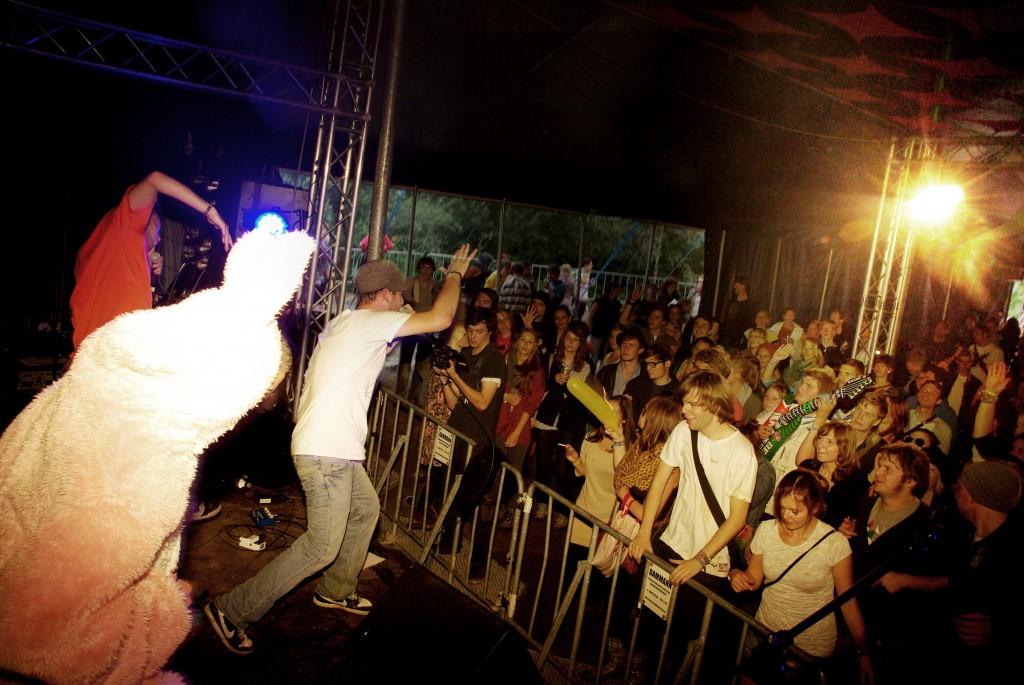 Krach und getose-haspa musikstiftung-rockcity-hamburg-dockville-2011