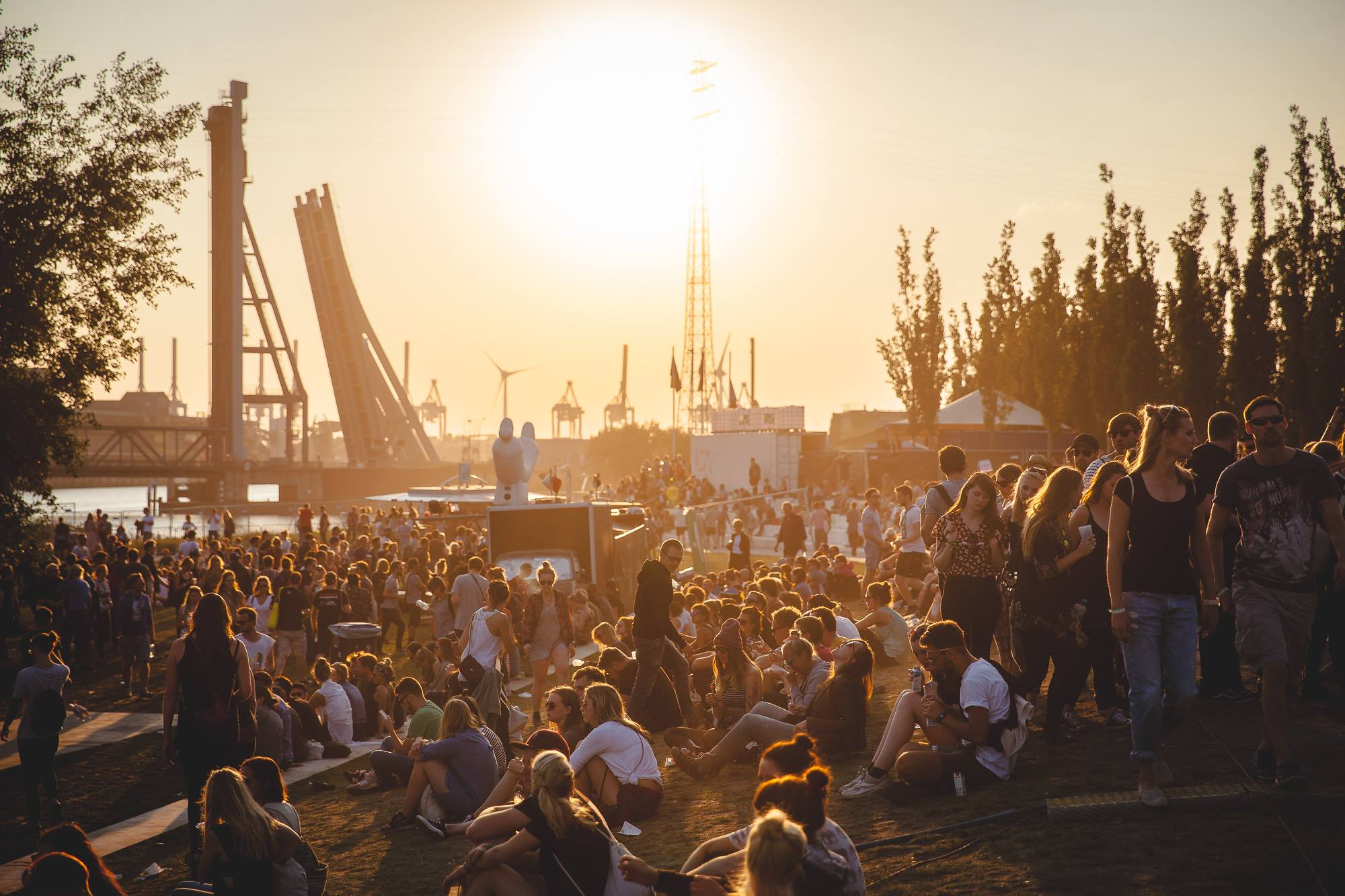 donnerstag dockville festival ms dockville mit vergn gen hamburg. Black Bedroom Furniture Sets. Home Design Ideas