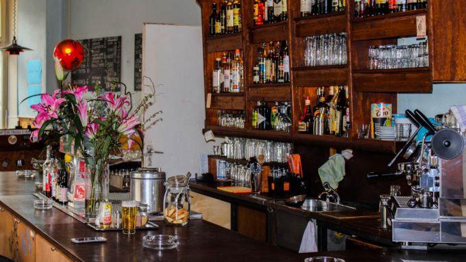 Andreas Baur Bar Mit Kegelbahn John Lemon