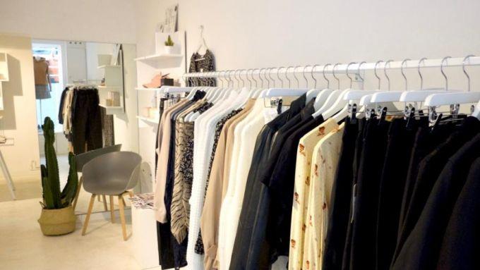 11 modeshops um den kleiderschrank mal wieder aufzupimpen. Black Bedroom Furniture Sets. Home Design Ideas