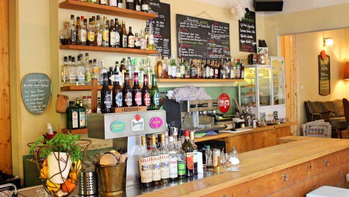 5 bars in wilhelmsburg in denen ihr gepflegt trinken k nnt mit vergn gen hamburg. Black Bedroom Furniture Sets. Home Design Ideas