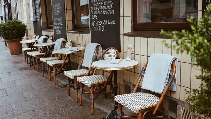 diese neuen restaurants und bars solltet ihr im mai testen mit vergn gen hamburg. Black Bedroom Furniture Sets. Home Design Ideas