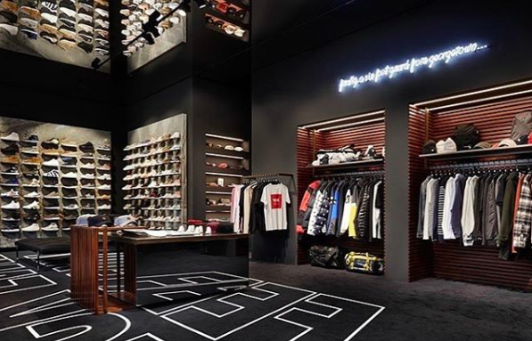 11 freshe sneakerstores in hamburg mit vergn gen hamburg. Black Bedroom Furniture Sets. Home Design Ideas